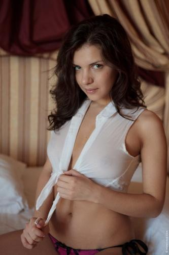 Penelope - WowGirls - Uneasy Silence