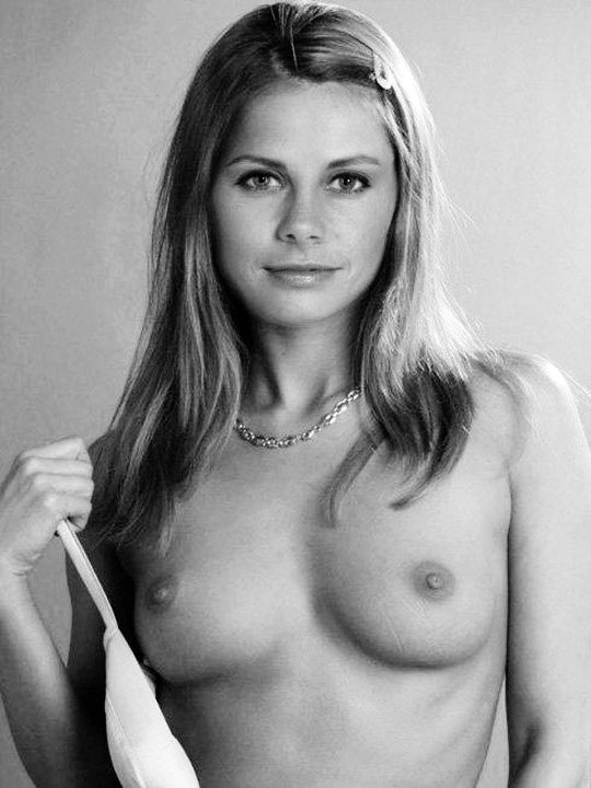 Jan Smithers Nudes - Office Girls Wallpaper