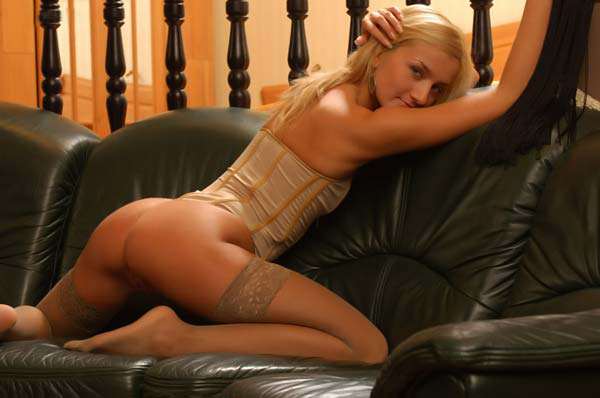Se Desnuda Evanna Lynch Una Protagonista De Harry Potter