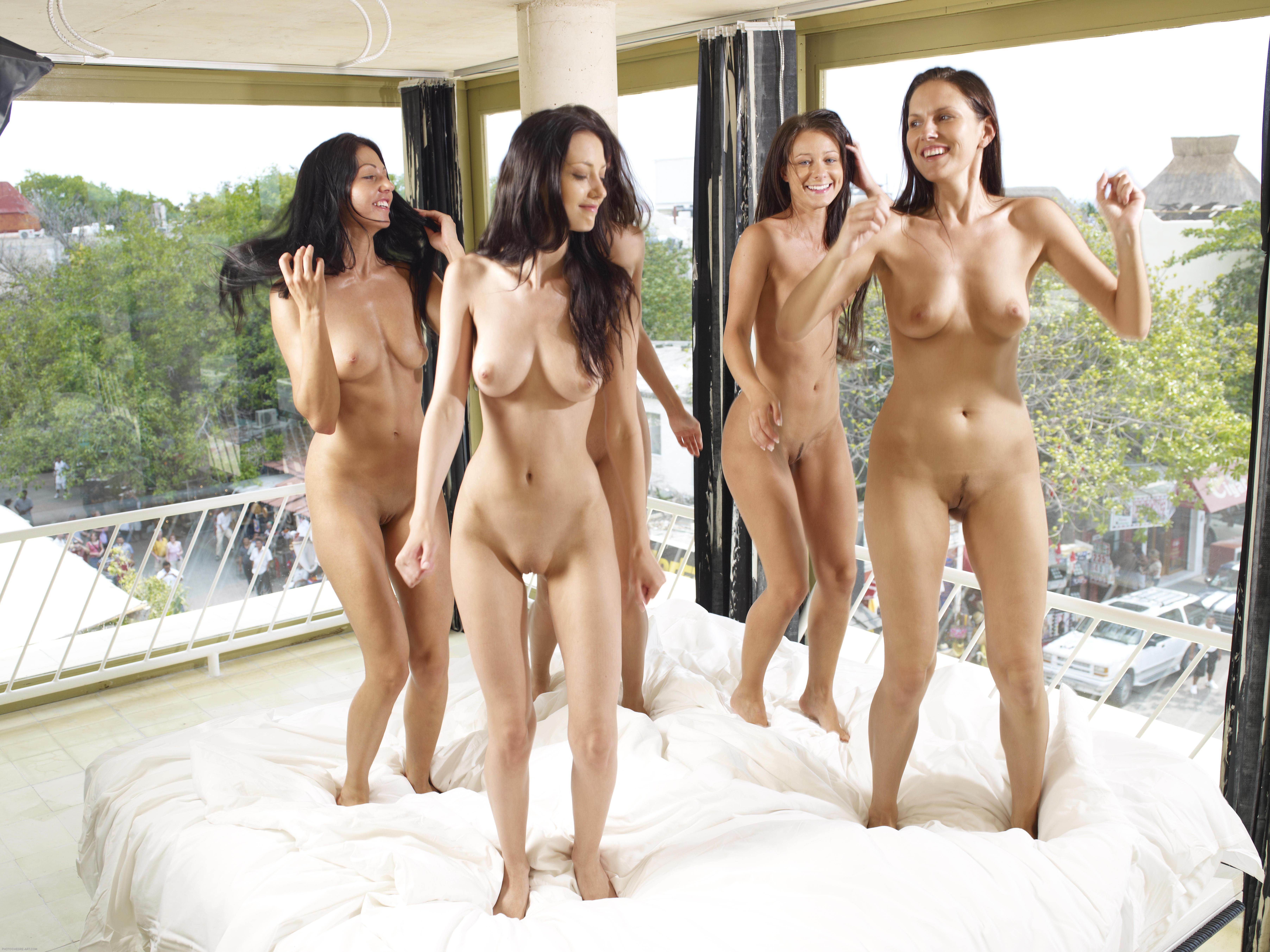 Фотогалерея девушек голышом