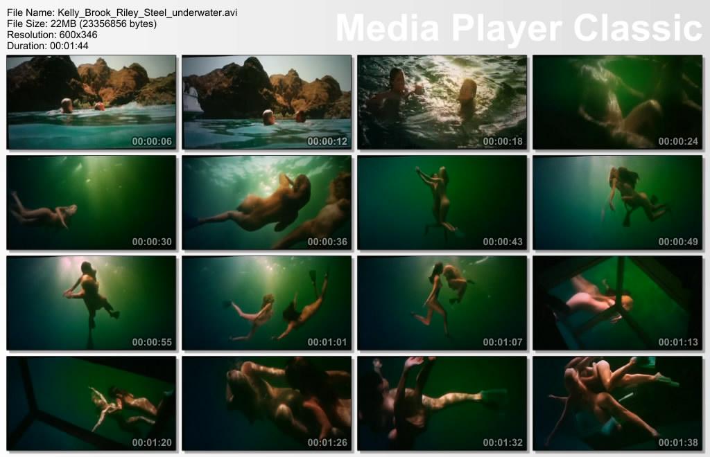 Kelly Brook & Riley Steele nude svimming in Pirahana 3-D