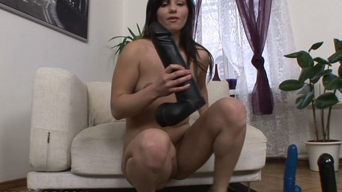 Alisya – Big Dildo Play Dildos
