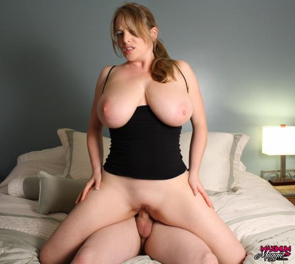 Big titty maggie green plays in kitchen 10