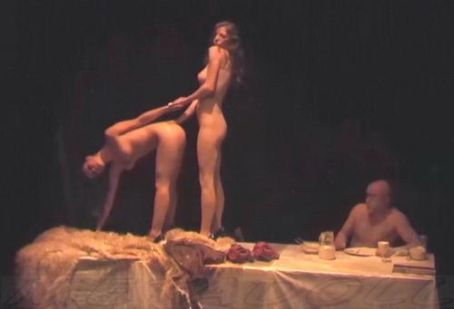 [Image: NakedTheater07_1kd.jpg]