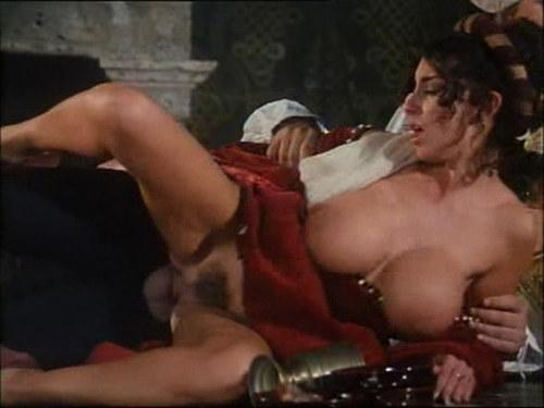 eroticheskie-foto-pishnie-smotret-onlayn