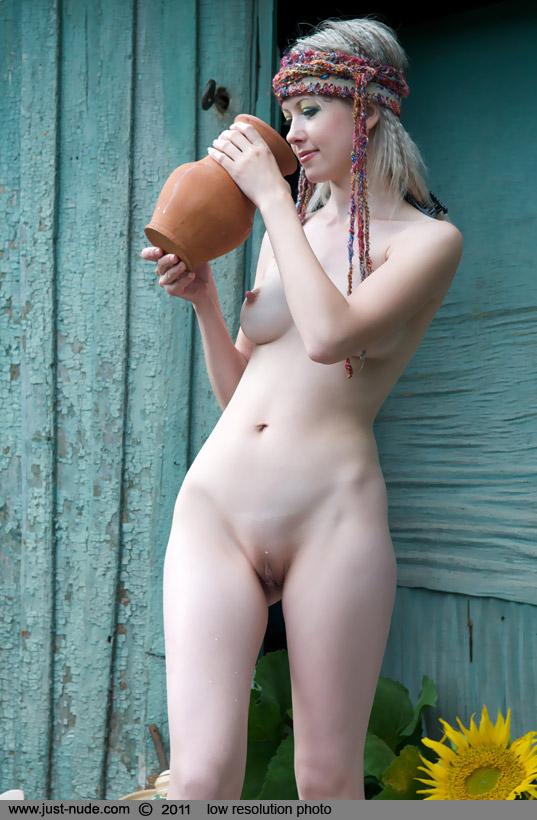 golie-ukrainki-za-40