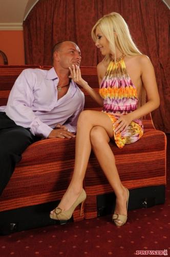 Donna Bell - Stunning anal blonde