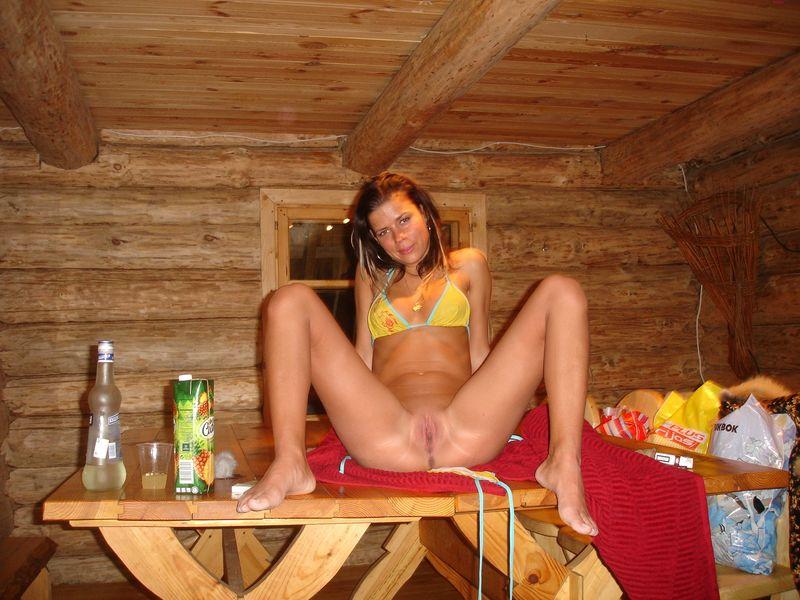 poziruet-v-saune