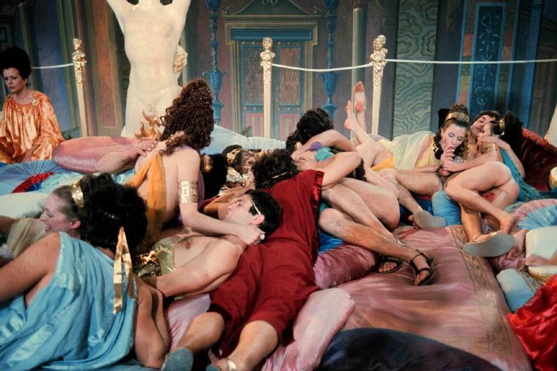 ebut-smotret-filmi-s-eroticheskimi-stsenami-evropa-eleni-porno-foto