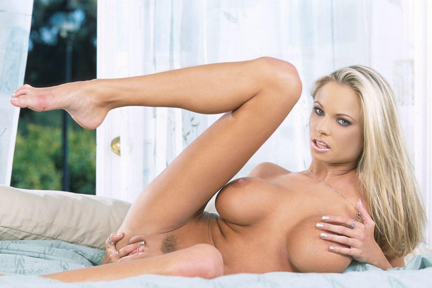 Mom briana banks has hot breasts free mobile porn photo