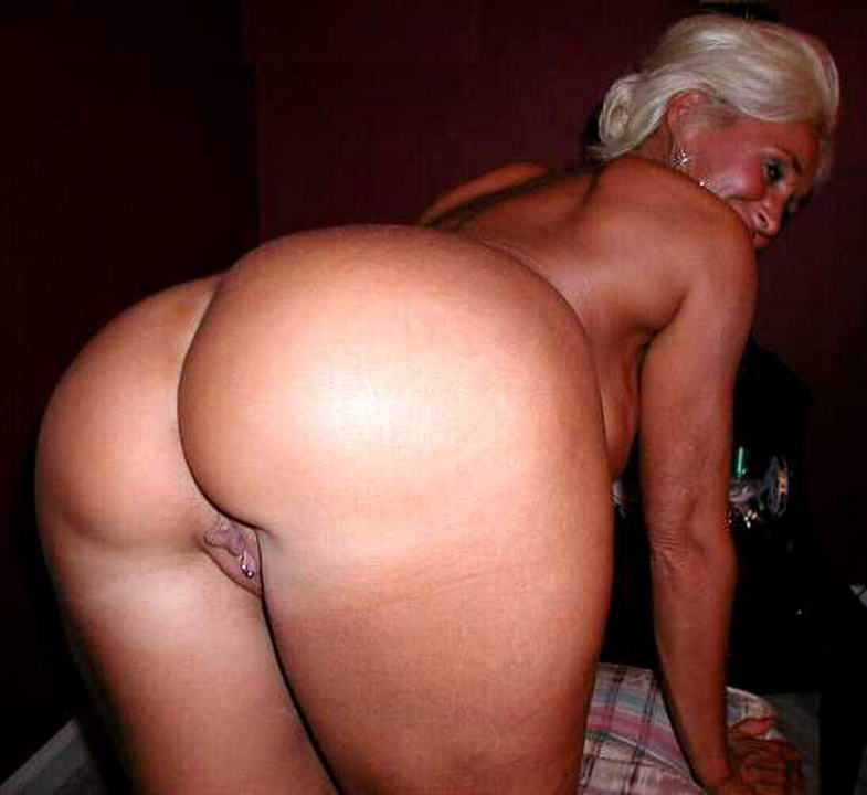 French milf with big ass
