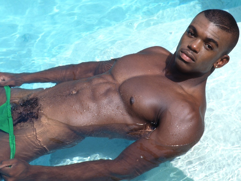 Reggie bush shares sexy pic of wife's sideboob in thong bikini