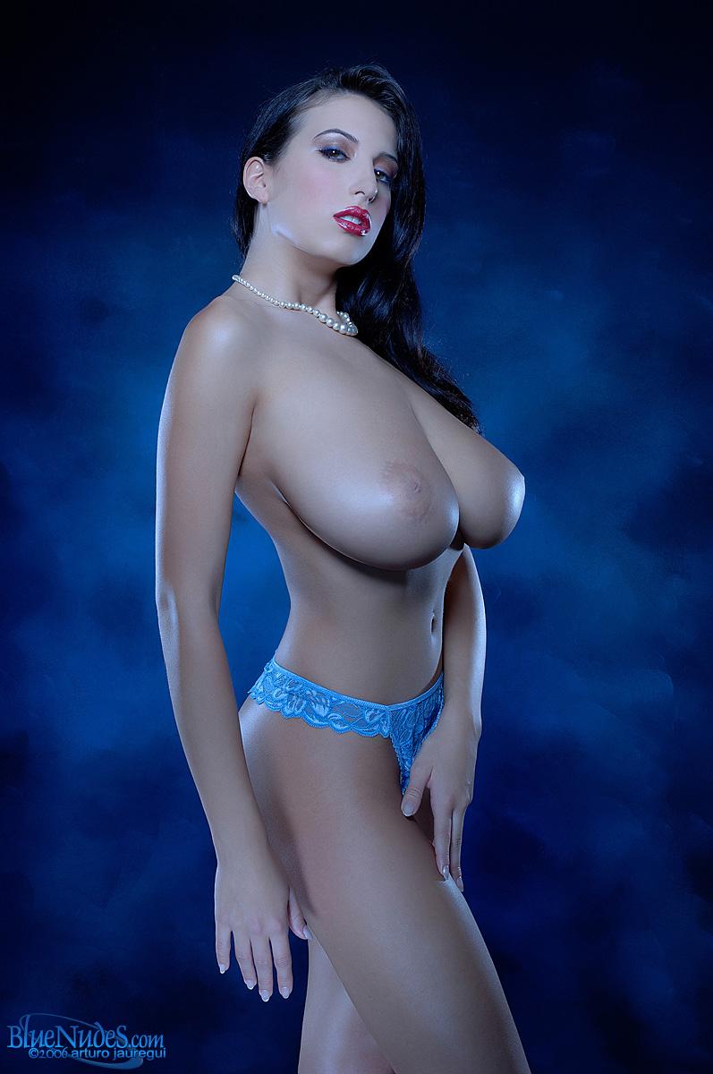 Jana Defi Gigantic Boobs Expansion Morph Picture