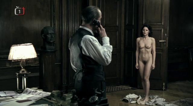 Голые женщины в фильмах фото